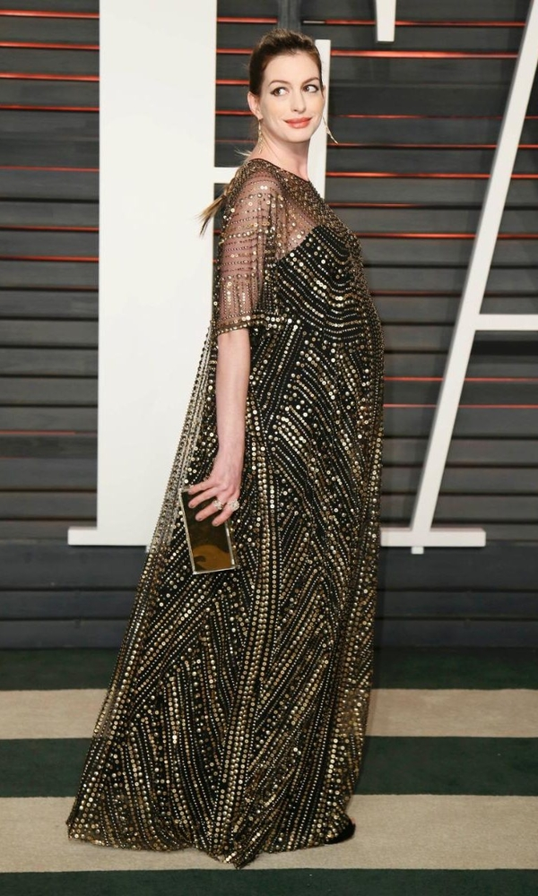 черное платье Энн Хэтуэй киноакадемия