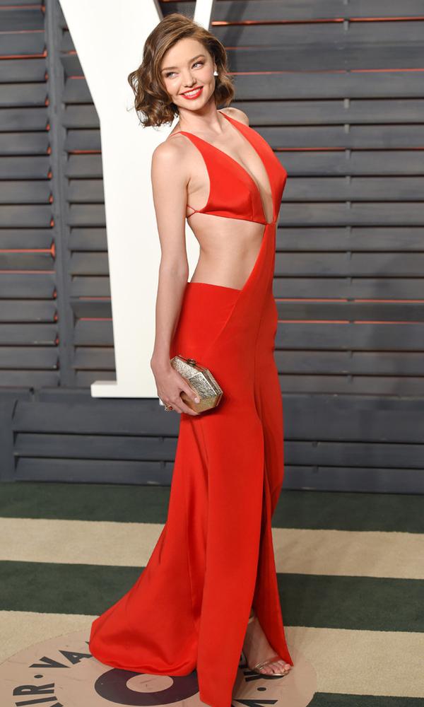 красное платье миранды керр