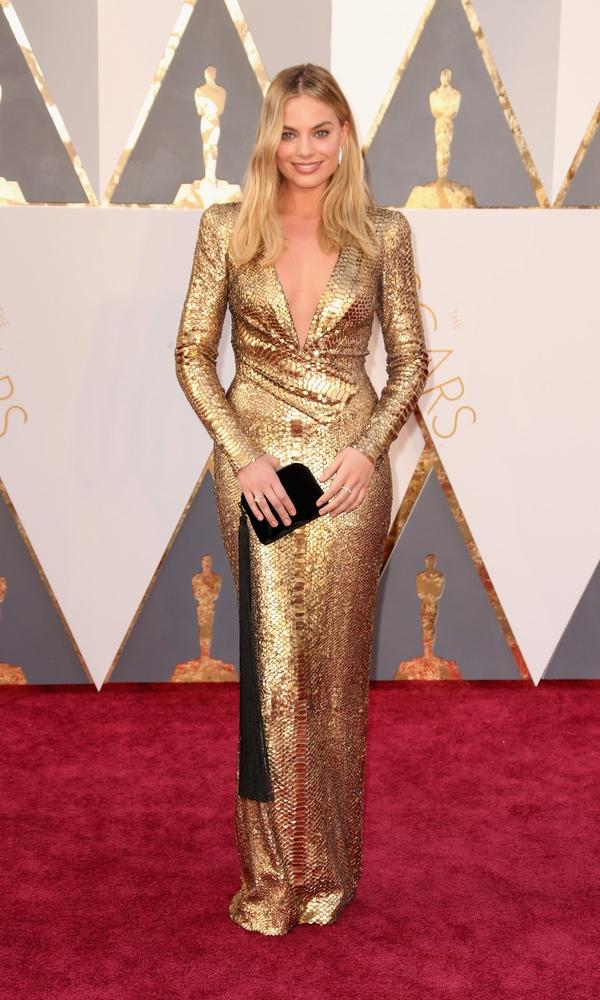 золотое платье Марго Робби