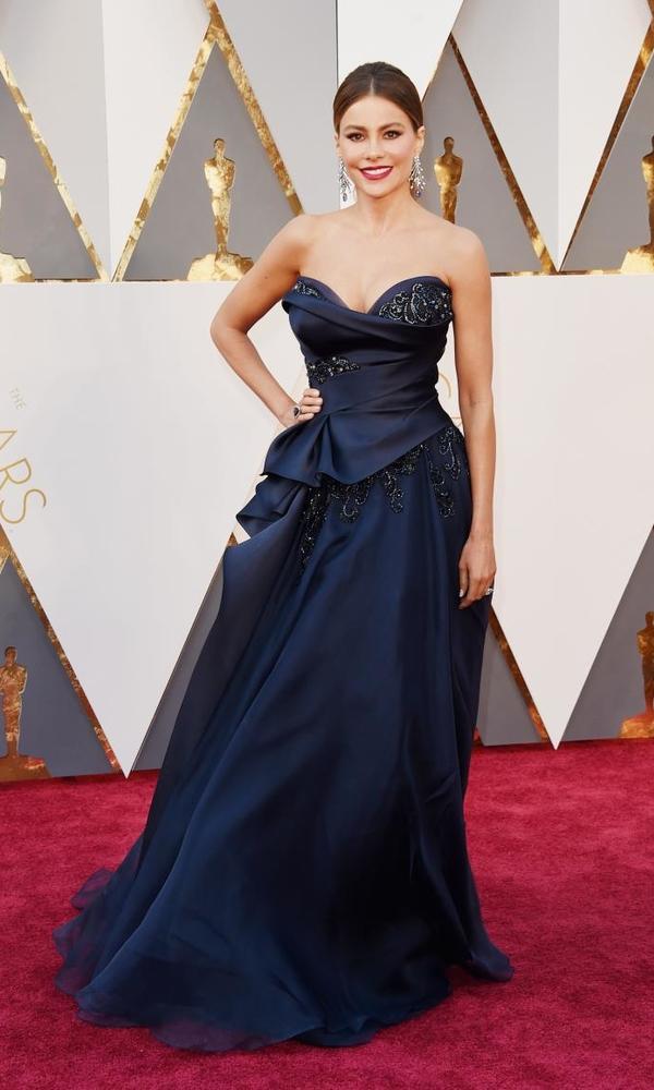 красивое платье Софии Вергара
